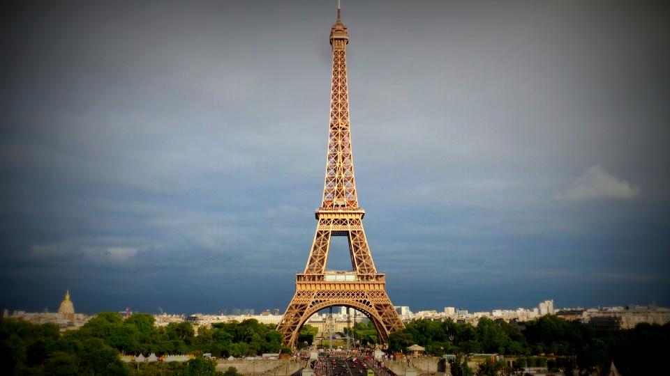 sous le ciel de paris, tour eiffel, 125 ans, dame de fer, paris